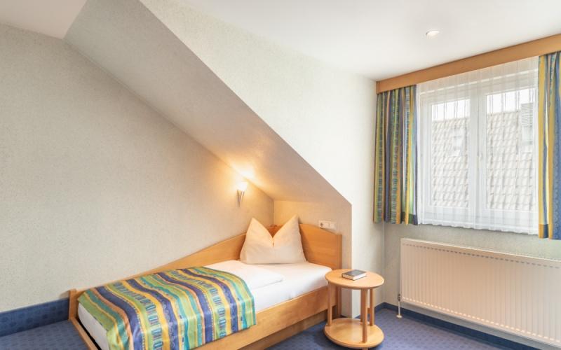 Einbettzimmer-