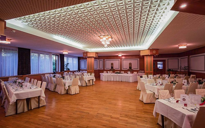 Banqueting hall-